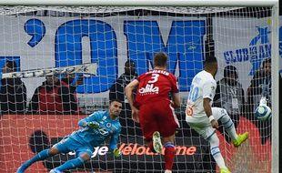Le penalty transofrmé par Dimitri Payet n'aurait pas dû être accordé par le VAR dimanche. Sylvain THOMAS