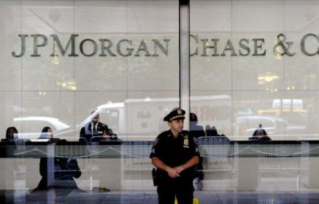 """La première banque américaine JPMorgan Chase a annoncé vendredi que sa perte sur les marchés financiers avait atteint 4,4 milliards de dollars, soit plus de deux fois le montant annoncé au départ, et accusé certains """"individus"""" d'avoir cherché à cacher cette déconvenue."""