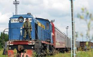 Le train transportant les corps des victimes du crash du vol MH17 à Kharkiv en Ukraine, le 22 juillet 2014