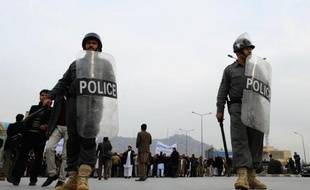 Des policiers afghans à Kaboul le 7 décembre 2013