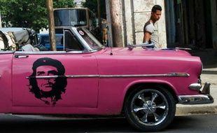 Une vieille voiture américaine à la Havane. Le tourisme à Cuba est en plein essor depuis le dégel des relations avec les Etats-Unis