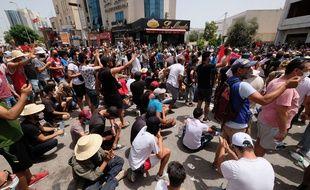Manifestation à Tunis pour demander la dissolution du Parlement, le 25 juillet 2021.