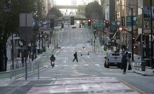 La ville de San Francisco a annoncé des mesures de confinement pour les déplacements non essentiels entre le 17 mars et le 7 avril 2020.