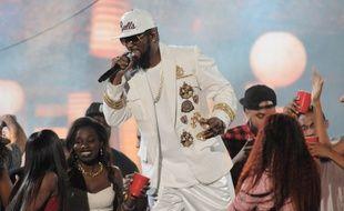 Le chanteur R. Kelly aux Soul Train Music Awards
