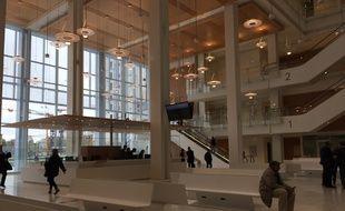 L'imposante salle des pas perdus du nouveau palais de justice.