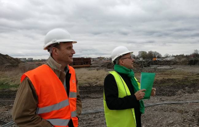 Jean-Philippe Soulé, directeur de Fonroche, et Alain Jund, vice-président de l'Eurométropole en charge de l'écologie.