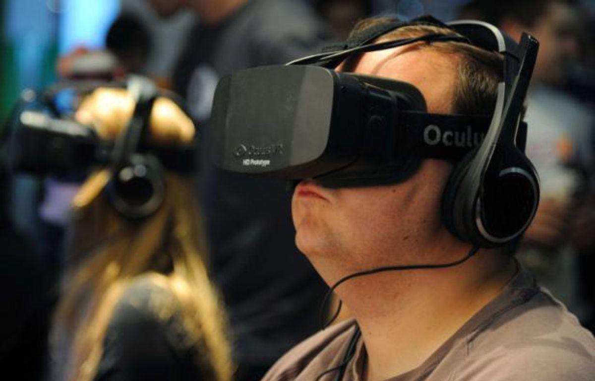 L'Oculus Rift est l'un des prototypes les plus prometteurs en matière de réalité virtuelle. – M.BOWLES/REX/SIPA