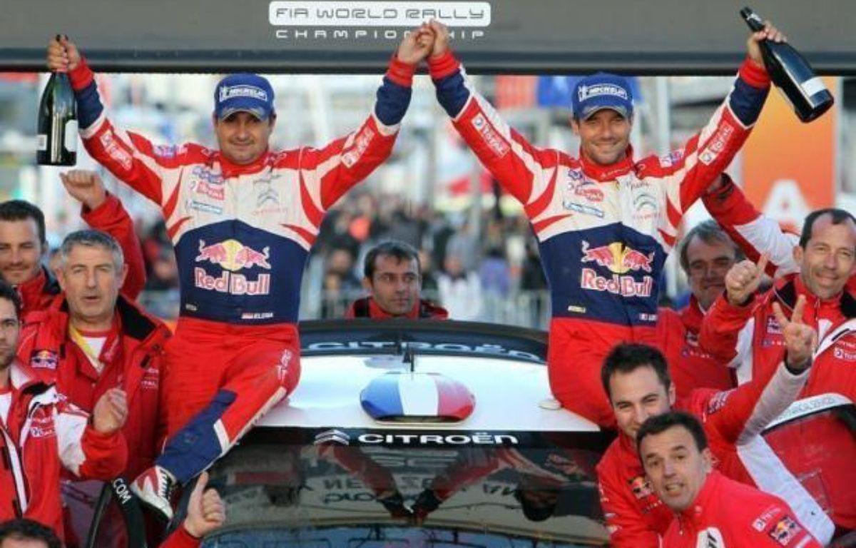Vainqueur dimanche à Auckland du rallye de Nouvelle-Zélande, la 72e victoire de sa carrière en WRC, Sébastien Loeb est parti en vacances avec un gros dossier à étudier, celui de son avenir au delà de fin 2012: rallye ou endurance, Citroën Racing ou Sébastien Loeb Racing? – Michael Bradley afp.com