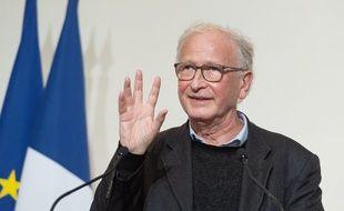 Alain Fischer, jeudi, lors de la conférence de presse du gouvernement.
