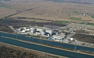 Vue aérienne de la centrale nucléaire de Fessenheim le 5 septembre 2012.