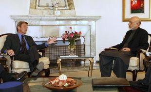 Hamid Karzaï et Bernard Kouchner le 14 mai 2009 à Kaboul (Afghanistan)