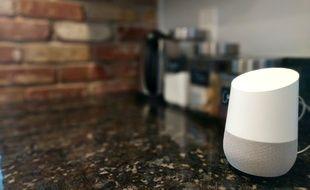 L'enceinte Google Home est disponible en France au prix de 149 euros.