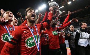 Les joueurs du Stade Rennais viendront présenter la Coupe de France à leurs supporters sur l'esplanade de Gaulle ce dimanche après-midi.
