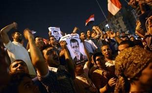 A l'approche des 100 jours au pouvoir du président Mohamed Morsi, les Egyptiens sont partagés sur l'action de leur premier président librement élu, salué pour avoir renvoyé les militaires dans leurs casernes, mais critiqué pour le peu d'améliorations de leur quotidien.