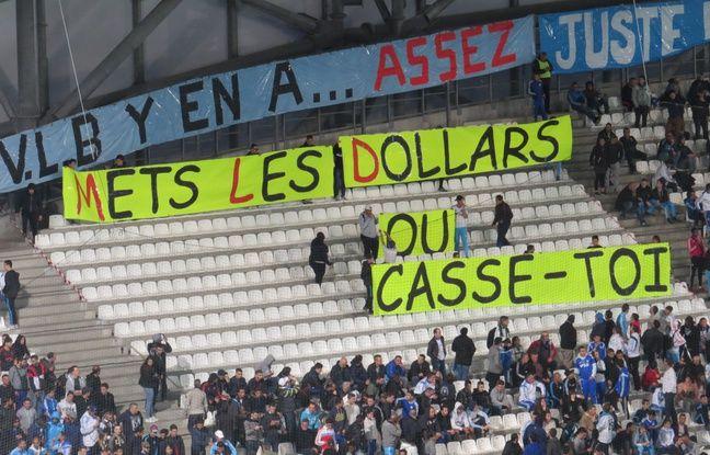 Banderole au Stade Vélodrome à Marseille le 10 avril 2016