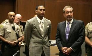 Le chanteur Chris Brown plaide coupable d'agression sur Rihanna au tribunal de Los Angeles, le 22 juin 2009.
