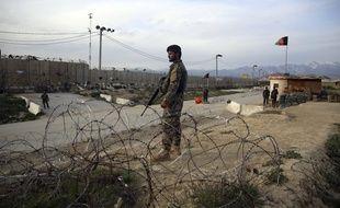 Un soldat de l'armée afghane à Bagram, près de Kaboul.