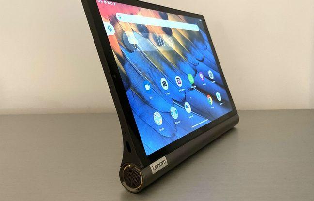 La base de la tablette lui sert aussi de support.