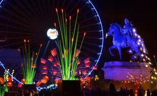 La place Bellecour a été transformée en jardin de lumières géant, dans lequel on a adoré se perdre pendant la Fête des Lumières.