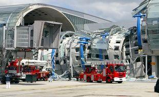 Le 23 mai 2004, une partie du terminal 2E de Roissy s'est effondré, quelques mois après son inauguration.