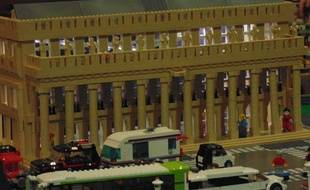 Reconstitution du grand théâtre de Bordeaux en Lego