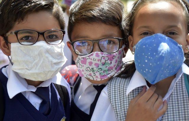 [INFO COVID19] Mieux vaut cela que rien 640x410_masques-protection-faits-maison-peuvent-rassurer-particuliers-personnel-medical-reclame-masques-certifies-prendre-charge-patients