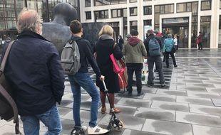 Devant la médiathèque Jacques Demy à Nantes, à la veille du confinement