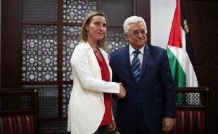 La chef de la diplomatie européenne Federica Mogherini reçu par le président de l'Autorité Palestinienne Mahmoud Abbas à Ramallah, en Cisjordanie, le 8 novembre 2014