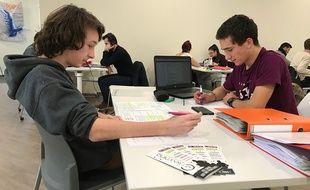 L'espace de co-learning est ouvert non-stop pour les étudiants à Nice.