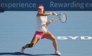 La Chinoise Li Na, 5e mondiale, défendra son titre contre la Bélarusse Victoria Azarenka, 3e mondiale, vendredi en finale du tournoi WTA de Sydney, à l'issue des demi-finales disputées jeudi.