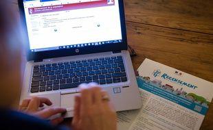 De nombreux Français ont des difficultés à utiliser les outils numériques.