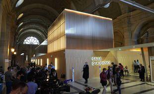 En France, un complexe sécurisé a été construit sur mesure et intégré au palais de justice pour mener le procès des attentats du 13 novembre à Paris.