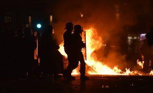 La police a dû intervenir dans les rues de Marseille après la finale perdue.