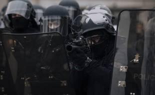 Des forces de l'ordre à Paris, le 12 janvier.