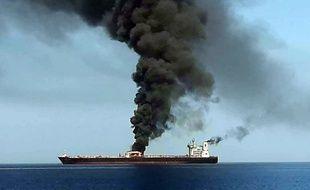 La télévision iranienne a diffusé jeudi des images présentées comme celles d'un incendie à bord d'un des deux navires qui auraient été attaqués dans la matinée en mer d'Oman.