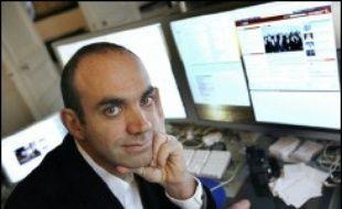 """Le blogueur Loïc Le Meur a créé une """"île Sarkozy"""" dans le monde virtuel de Second Life, qui permet aux internautes de discuter politique et d'écouter certains débats organisés par l'UMP dans le cadre de la présidentielle."""