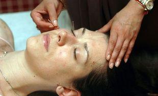 De plus en plus de patients ont recours à l'acupuncture pour soulager leurs douleurs.