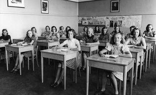 Une salle de classe en 1940. Illustration.
