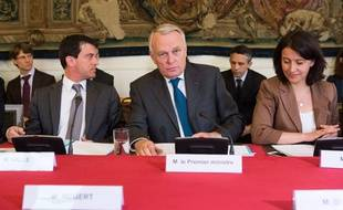 Manuel Valls, Jean-Marc Ayrault et Cécile Duflot, le 14 mai 2013 à Matignon.