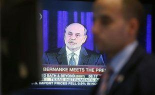 """Le président de la banque centrale américaine (Fed), Ben Bernanke, a exhorté mercredi à Washington les élus de son pays à parvenir """"rapidement"""" à un accord permettant de rééquilibrer le budget des Etats-Unis sans menacer la reprise économique."""