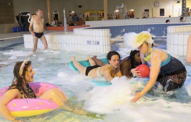En images un r veil funky la piscine avec good morning for Piscine des gayeulles