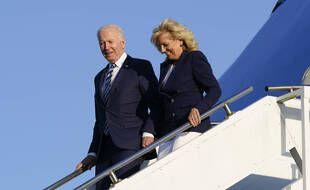 Joe et Jill Biden à leur arrivée au Royaume-Uni, mercredi.