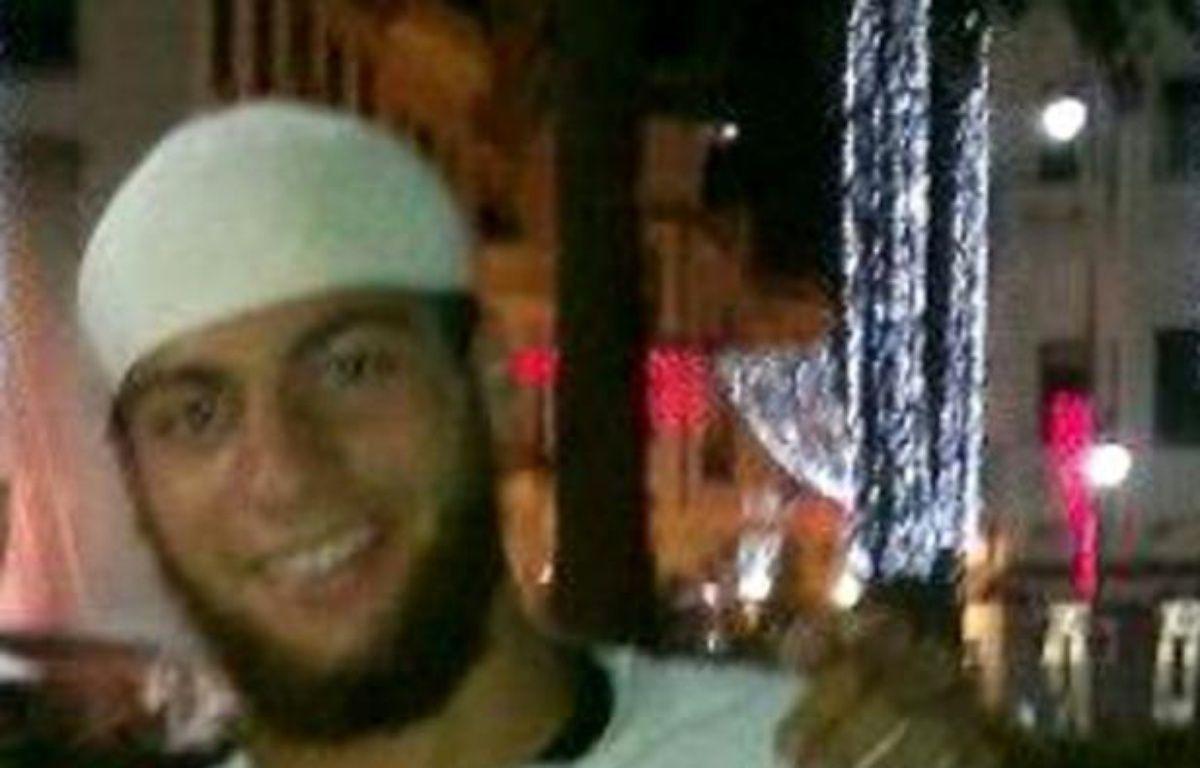 Photo non datée d'Ayoub El-Khazzani, diffusée par un réseau social – - -