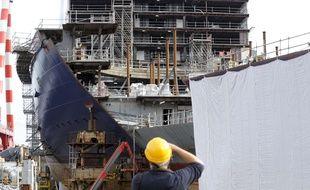 Les chantiers navals STX deviennent désormais les Chantiers de l'Atlantique, reprenant ainsi leur nom historique.