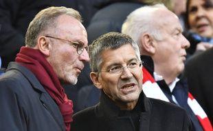 Les dirigeants du Bayern Munich, ici le président Herbert Hainer (dr.) et le directeur général Karl-Heinz Rummenigge, militent pour un salary cap européen.