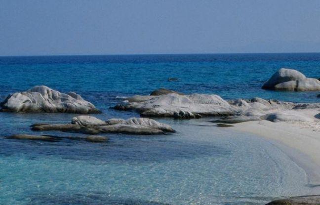 648x415 plage ile grecque