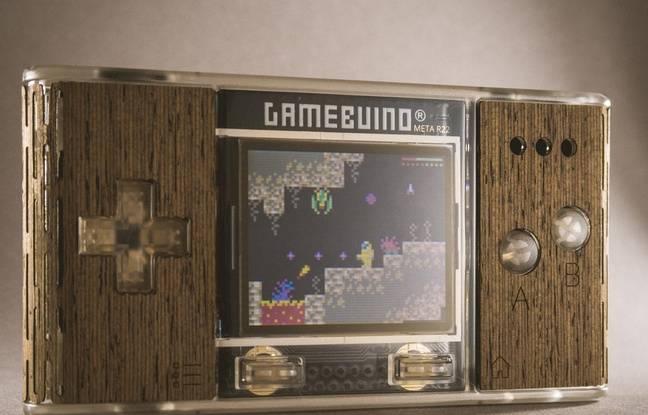 La console portable GameBuino pour jouer à des jeux rétros et créer ses propres jeux vidéos a été créée par un jeune ingénieur à Saint-Etienne.