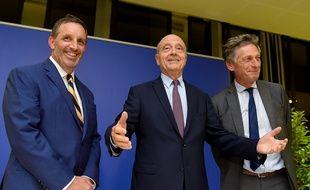 Joseph DaGrosa, tout sourire, aux côtés d'Alain Juppé et de Nicolas de Tavernost.