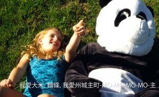 Une image du clip de la chanson «Chinese Food», d'Alison Gold.
