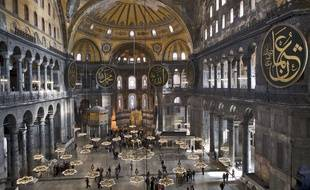 Intérieur de Sainte-Sophie à Istanbul, ex-Basilique, mosquée et musée